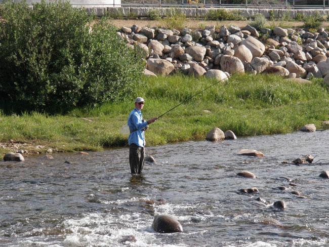 Tenkara fishing a lake inlet