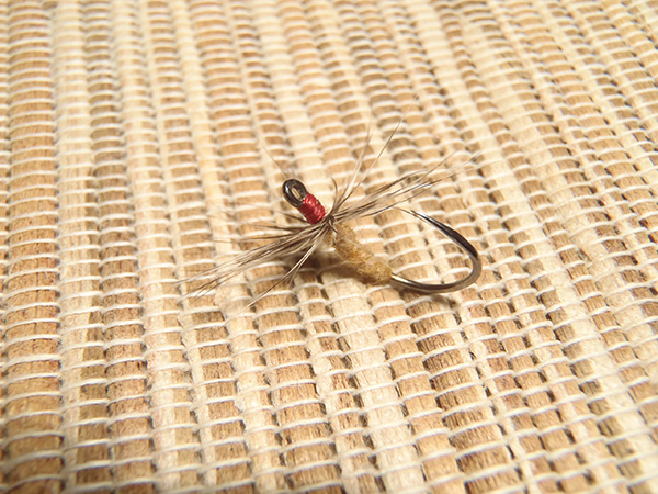Tenkara fly with zenmai body